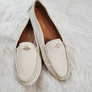 **COACH Amber Size 7.5 Pebble Leather Chalk Loafer
